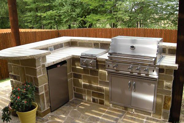 8 best images about backyard on pinterest kitchen for B kitchen glass grill