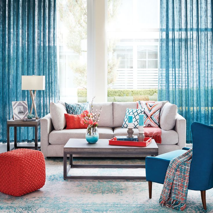 The Spring Collection is finally here at Urban Barn! New sofas, new cushions and toss pillows, new throws, rugs, lamps and more!
