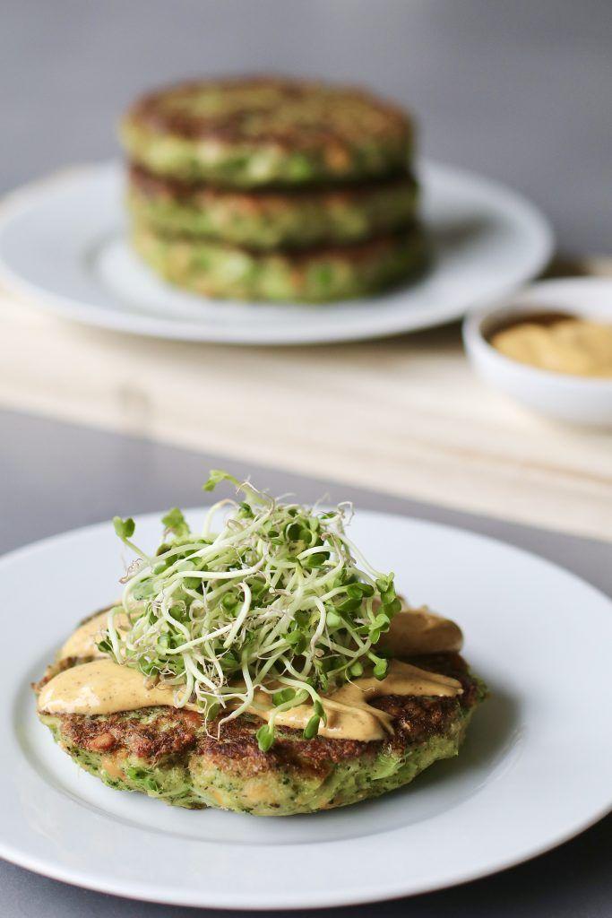 Broccoli burgers met madras-mayo , vegetarische burgers, Broccoli recepten, Beaufood recepten, Gezonde foodblogs, Slanke avondmaaltijden, Gezond fastfood, Voedzame foodblogs, Healthy burgers, Veggie burgers, Healthy dinner, Skinny recipes, Healthy comfort food, Healthy foodblogs, Yummy dinner