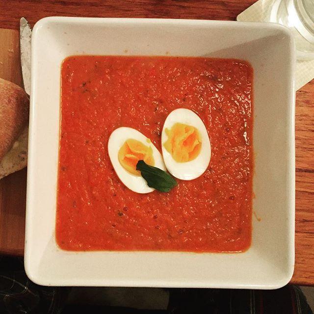 #DIY: #tomatsuppe #suppe #soup #tomatosoup #latenightsupper #kokkelering #nattmat #høstkos #matfrascratch #suntoggodt