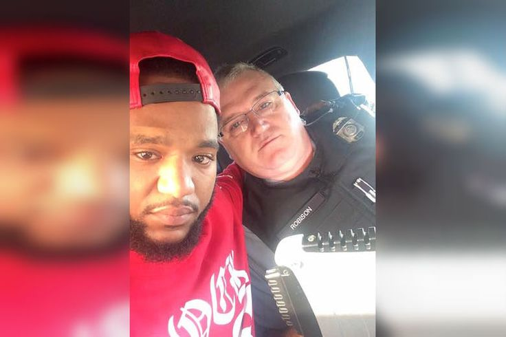 Kind Cop Drives Man 100 Miles To Reach His Grieving Family - http://viralfeels.com/kind-cop-drives-man-100-miles-to-reach-his-grieving-family/