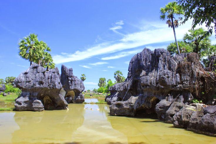 Festival Karst 2015 di Taman Nasional Bantimurung http://goo.gl/FqoQFc    Photo Credit: Fotolepas website  #Festival #VisitIndonesia #Travelingideas #Makassar #SulawesiSelatan #Maros #Pangkep #event