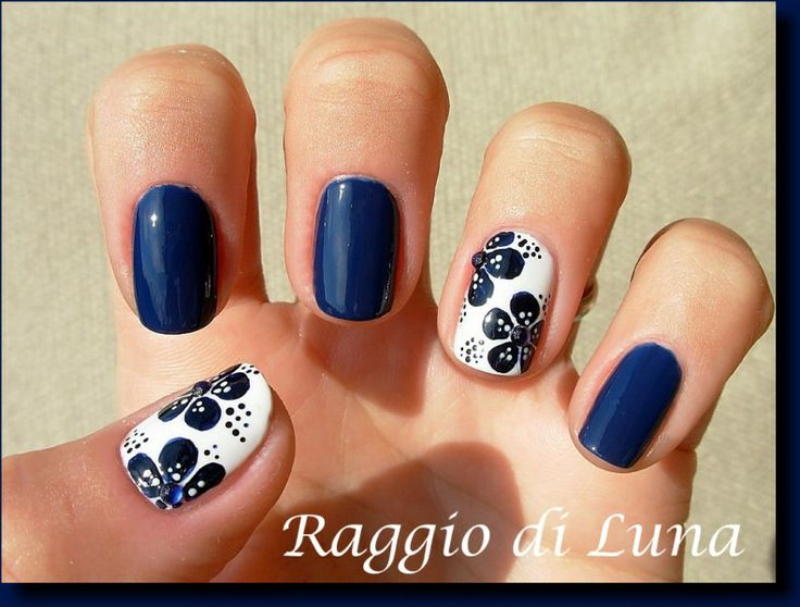 Best 25+ Dark blue nails ideas on Pinterest | Fall nail ...