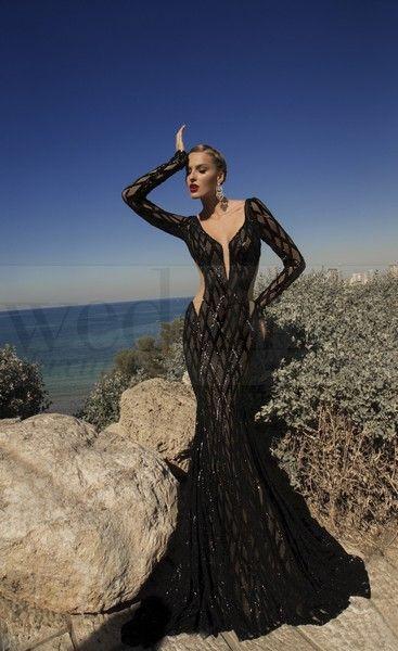 Per una serata speciale a due sensualità e femminilità allo stato puro. Stregata dalla Luna, la nuova collezione di abiti da sera di Galia Lahav Meteor- model. n. 1418