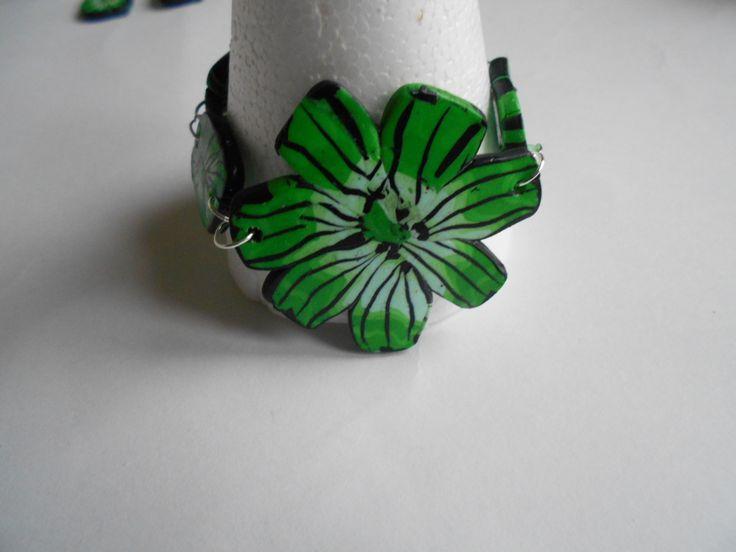 Bracelet réalisé avec des pastilles en fimo / pâte polymère : Bracelet par toutankharton36