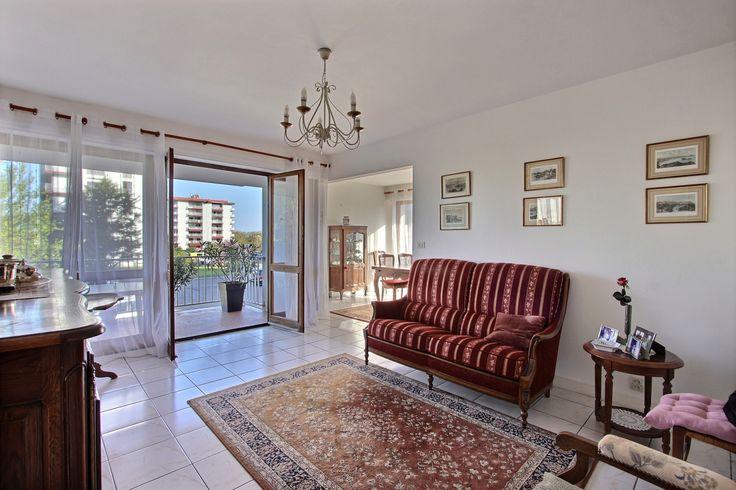 *** VENTE EN COURS *** BiarritzSaint Martin Appartement T3/4, terrasses Cave, parking