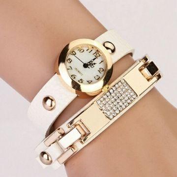 Reloj pulsera blanco $7.500.-