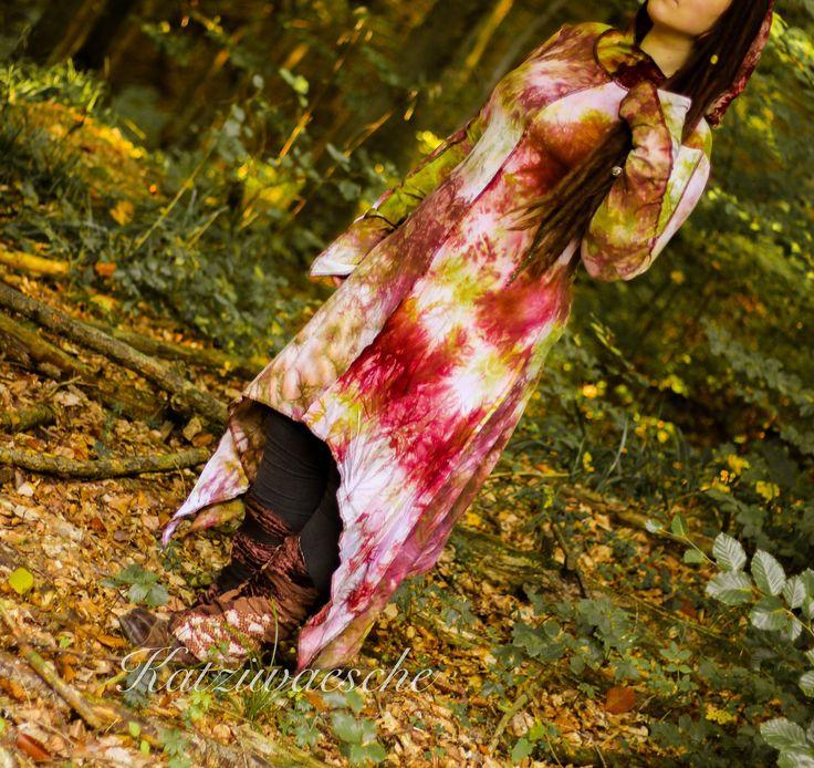 Fee elf Zigeuner bodenlang färben Burgunder Avocados grüne Spitzen Kleid mit extra langen Ärmeln und Kragen Kapuze von Katziwaesche auf Etsy https://www.etsy.com/de/listing/549098864/fee-elf-zigeuner-bodenlang-farben