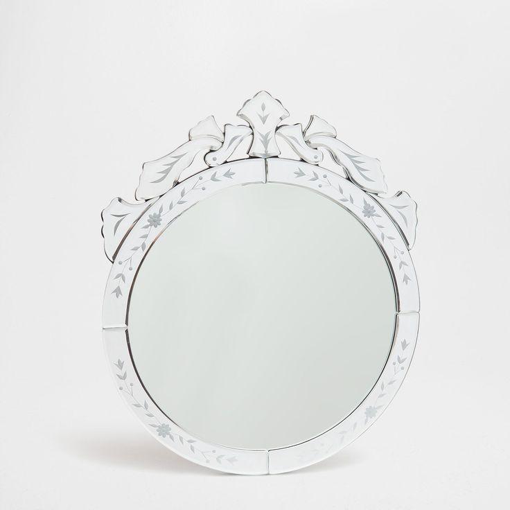 die besten 25 ovaler spiegel ideen auf pinterest studio inneneinrichtung einfache. Black Bedroom Furniture Sets. Home Design Ideas