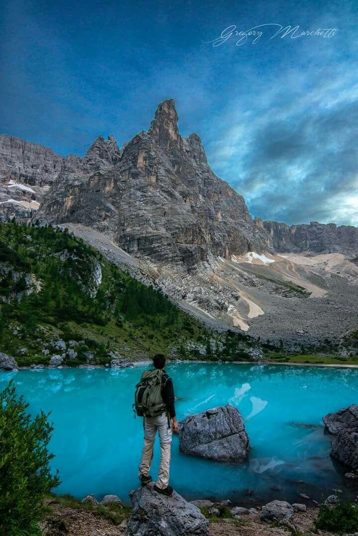 Lago di Sorapis  Un magnifico panorama  Landscape travel trekking lake Dolomiti