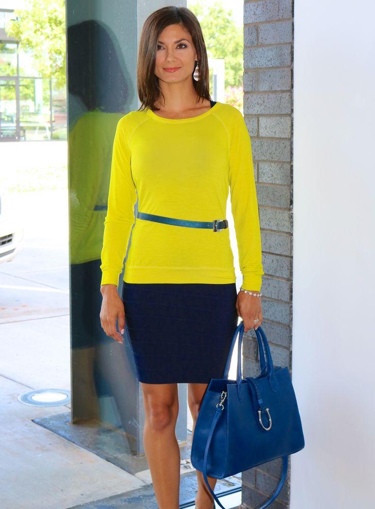 Classic // Navy Dress // Timeless // One Outfit Multiple Ways // Herve Leger Sarai in Pacific Blue // Blue Handbag // LAGGO // LIBERTÉ