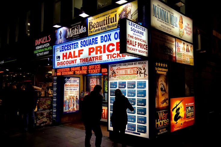 https://flic.kr/p/rhWKbq | Leicester Square | Half Price Ticket Booth Box Office