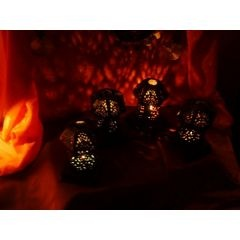 Orientalischer Teelichthalter - schwarz mit geheimnisvoller Lichtbrechung