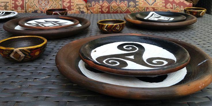 platos de greda con simbologia a pedido-