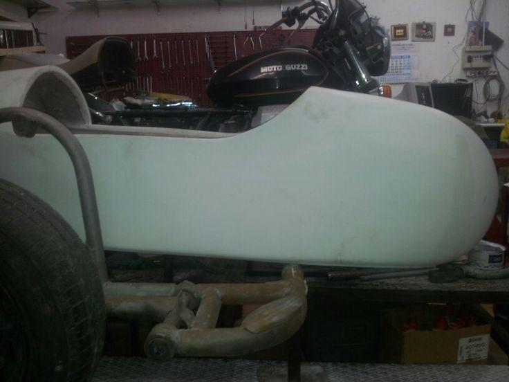 Sidecar in vetroresina modello grande ideale per moto custom