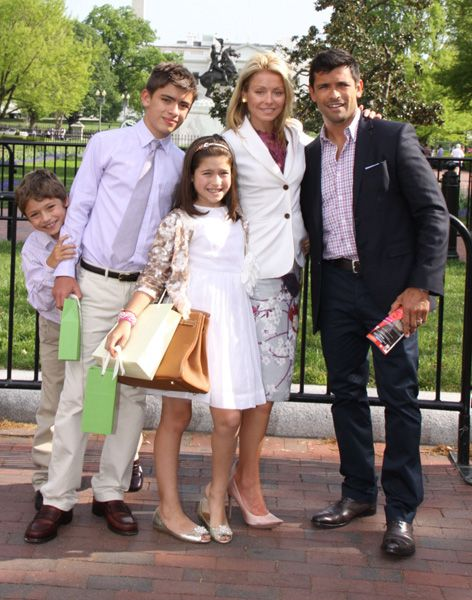 kelly ripa | Kelly Ripa, Mark Consuelos and kids at Easter Egg Hunt