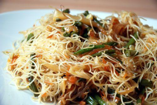 Spaghetti-di-riso-vegetariani 1