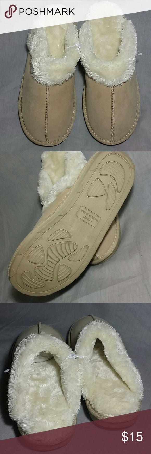 Women's Clogs Shoes Beige 10 M NEW Item is NEW clogs Shoes Mules & Clogs