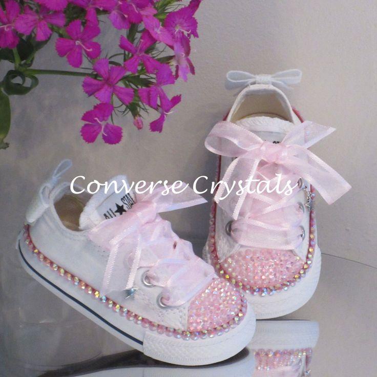 Meisjes lage aangepaste Crystal * Bling * Converse baby maten 2-10 door ConverseCrystals op Etsy https://www.etsy.com/nl/listing/482791728/meisjes-lage-aangepaste-crystal-bling
