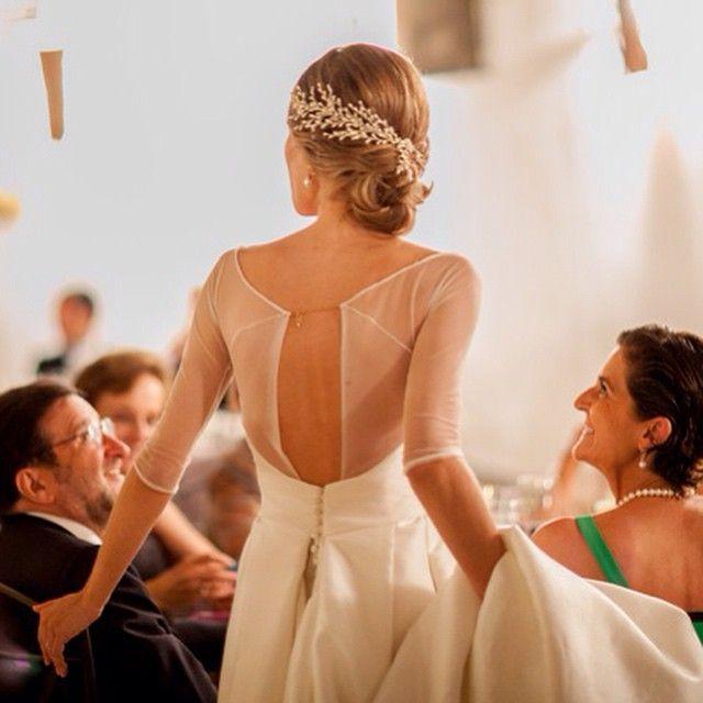 Espaldas espectaculares para novias espectaculares (imagen de @ruthroldanfoto)