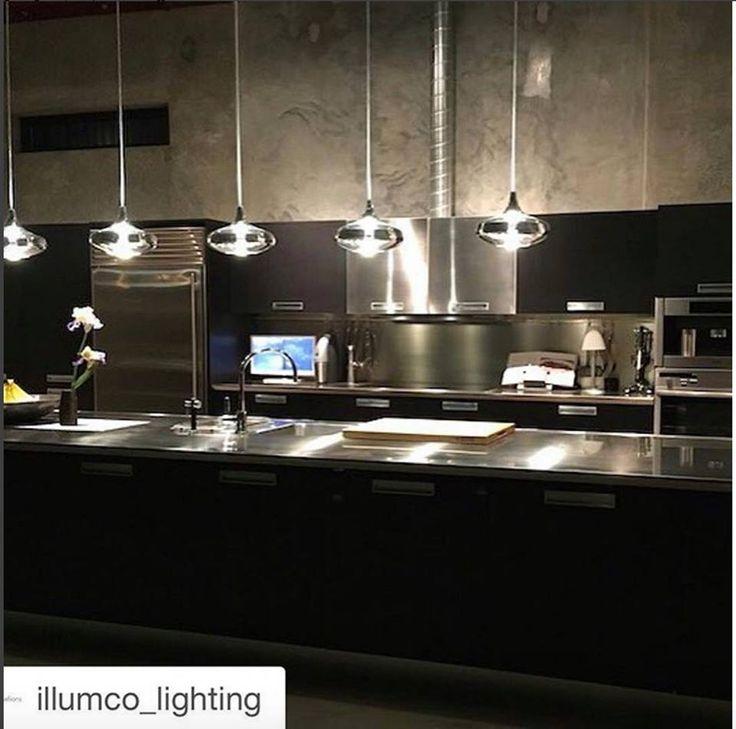 Nostalgia suspensions brightening up the beautiful kitchen of the Cohen Carnaggio residence. #beautiful #kitchendesign #light #lightingmakers #luxury #studioitaliadesign #arredamento #livingwithcolour #lamp #designthinking #picoftheday #design #interiordesign #interior