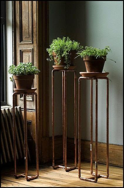 Blumenständer Industrial-Look aus Kupferrohren zum Selbermachen DIY