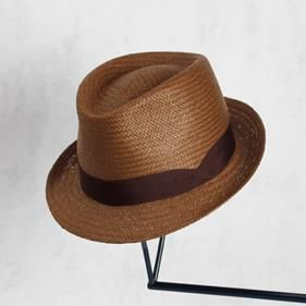 Sombrero fibra vegetal MONTJOI | UOHOP #UOHOPLifestyle #UOHOPproducts #ethicalfashion #slowfashion #summerhat
