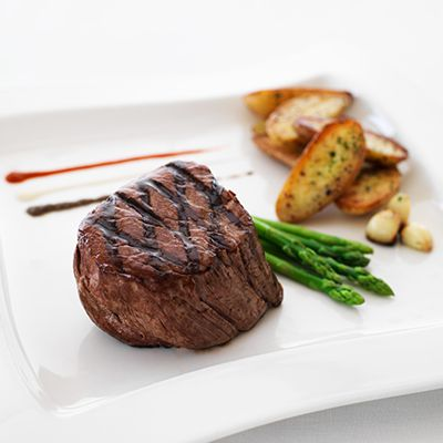 This traditional tenderloin steak recipe is perfect for a midweek night in. This version is created by Executive Chef Francois Roldan from Legends restaurant at Dubai Creek Golf & Yacht Club.
