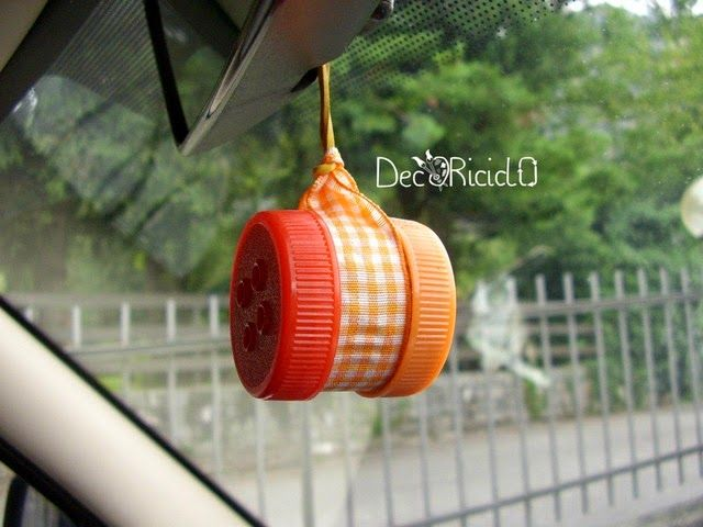 Decoriciclo profumatore per auto fatto con due tappi for Vasche di plastica per tartarughe