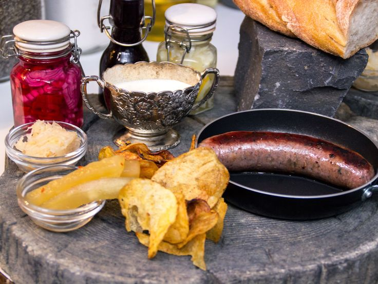 Korvhimmel med picklade grönsaker och blåbärsketchup | Recept från Köket.se