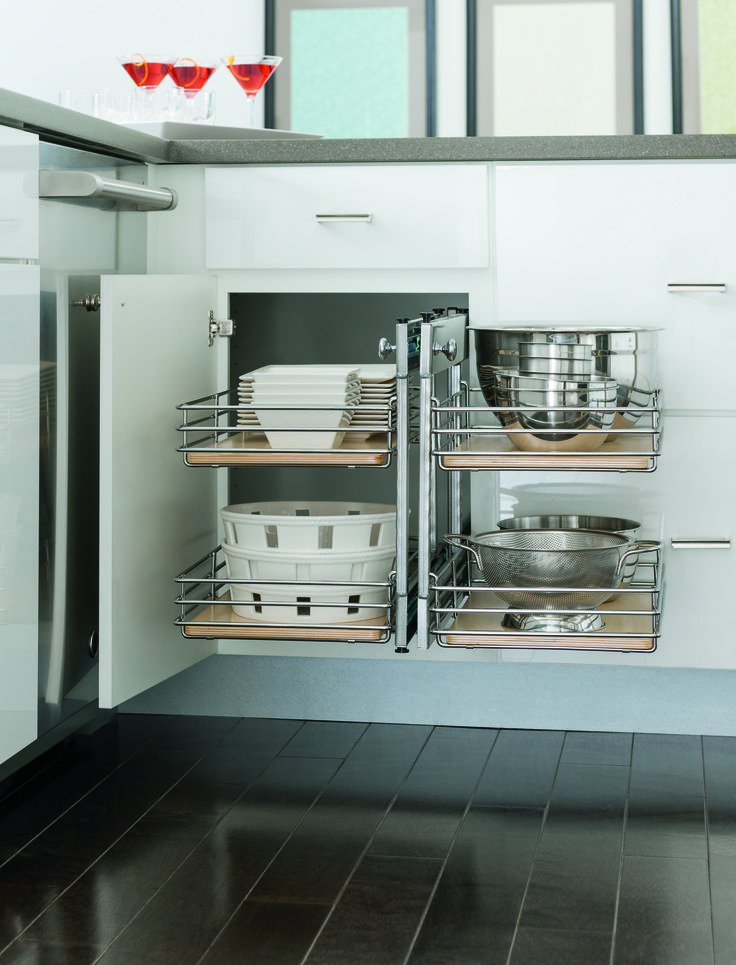 25 best images about kitchen corner cabinet on pinterest for Blind corner kitchen cabinet ideas