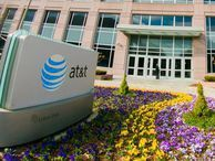 AT&T hopes you forget it's a phone company AT&T lost more than 348,000 postpaid phone customers as it builds out new lines of business like its DirecTV streaming service.