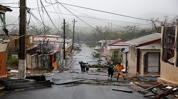 Actualización de la situación de Puerto Rico al 13 Oct            Arturo Morales, editor de la revista Epico, comenta la situación actual de los habitantes de Puerto Rico, indicando las formas de ayuda y las condiciones en las que estan los damnificados del huracan Maria, que desvastó la isla de Puerto Rico               http://enlamira.net/2017/10/13/actualizacion-de-la-situacion-de-puerto-rico-al-13-oct/