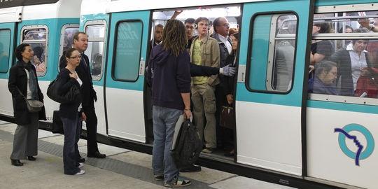 Free Wi-fi in Paris Metro