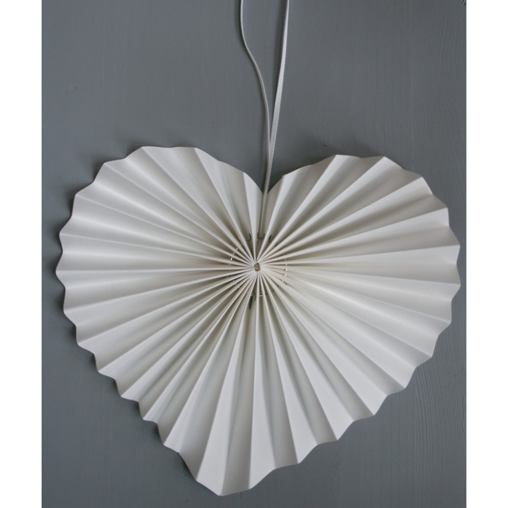 pleated paper heart  www.ellaskitchencompany.com
