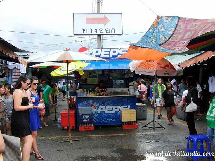 Te vienes de compras en un mercado más grande que 10 campos de fútbol? http://www.portaldetailandia.com/compras-en-el-mercado-de-chatuchak/ ตลาดนัดจตุจักร (Chatuchak Weekend Market)