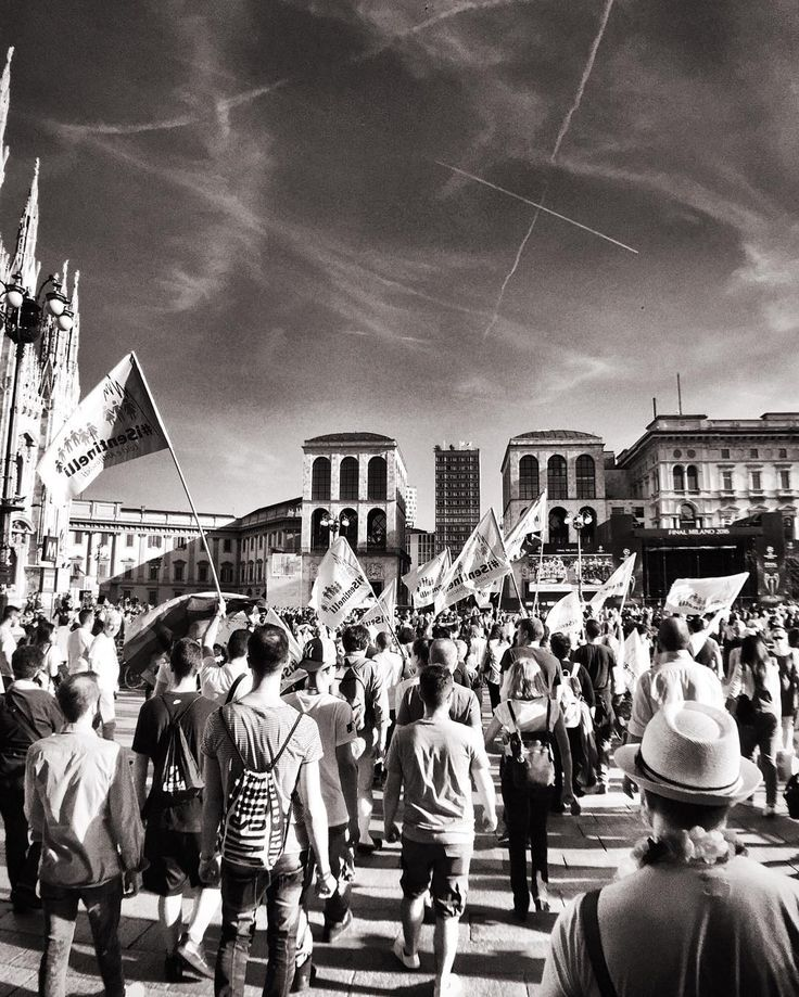 I Sentinelli di Milano. Milan Italy. . Follow me if you like my photos. Valid Tag | #milano_bnw Follow | @milano_bnw . #milan #milano#igersmilano #ig_milano #milanodavedere #milanodaclick #bellamilano #visitmilano #vivo_milano #loves_milano #bnw #bnw_captures #bnw_rose #bnw_planet #bnw_lombardia #bnw_greatshots #bnw_society #simply_noir_blanc #bnw_life #bnw_demand #amateurs_bnw #rsa_bnw #match_bw #top_bnw #pocket_bnw #the_bestbw #isentinelli #parade #freedom by milano_bnw