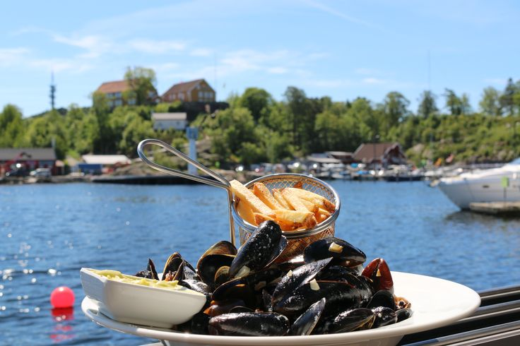 Dining in Kristiansand.  Whether you want seafood, a gourmet meal or pizza, there is an eatery for you in Kristiansand.  Photo: Inge Dalen©Visit Sørlandet