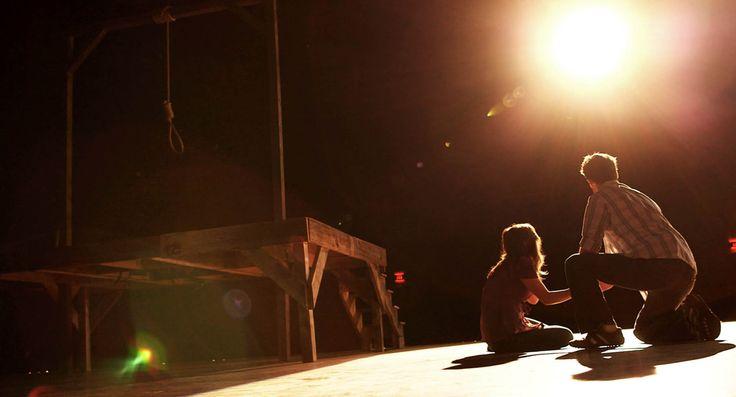 Una fatídica representación teatral es el punto de salida de la película más terrorífica de este verano: #LaHorca, ya en cines.