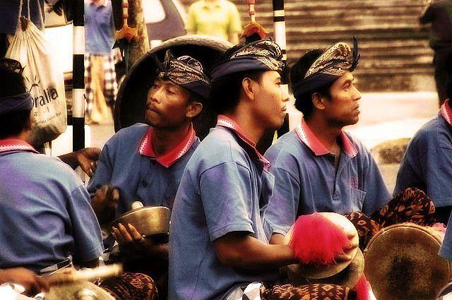 Menjadi Sobat Budaya, Cara Seru Mengenalkan Budaya Indonesia pada Anak