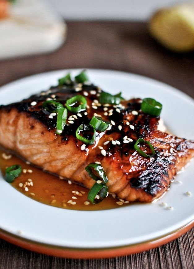 Toasted Sesame Ginger Salmon | howsweeteats.com