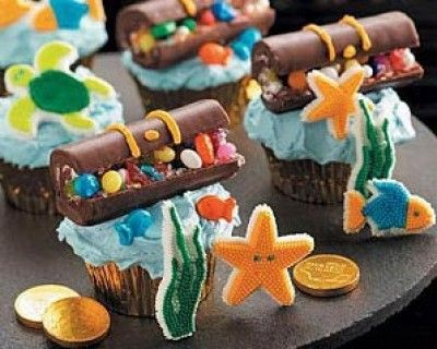 Treasure Chest Cupcakes (altered slightly and made by Deb and me for Muffin's Jake and the Neverland Pirates Birthday Party)