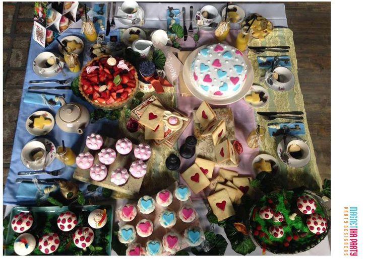 Alice in Wonderland - Morfi, todos a la mesa (TELEFE) TV Show | CatchMyParty.com