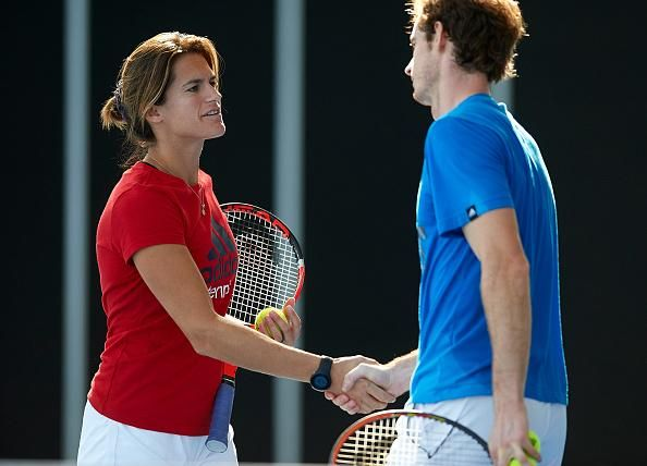 I Love Andy Murray ‏@Iloveandymurray  Amelie is back with Team Murray :) #andymurray #valencia2014 [Photos by Manuel Queimadelos Alonso/Getty Images]     https://twitter.com/Iloveandymurray/status/524790480815808512