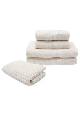 O Jogo de Banho Buddemeyer 5 Peças bege é composto por duas toalhas de banho, duas de rosto e um piso de banheiro. Tem textura decorativa e alta absorção. Ideal para decorar com requinte.