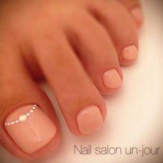 natural toe nails for more findings pls visit www.pinterest.com/escherpescarves/