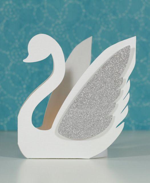 3 Dimensional Swan Favor