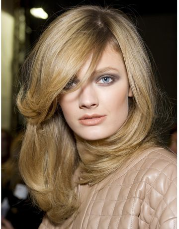 Blowout Hairstyle Mesmerizing 8 Best Blowout Midlength Haircut Images On Pinterest  Blowout