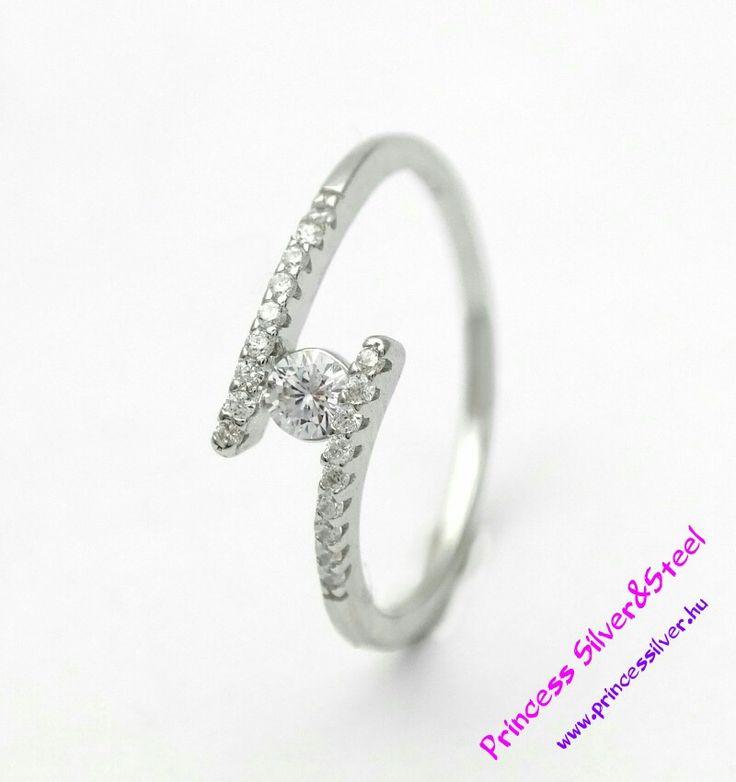 """""""Ölelés"""" ezüst gyűrű, ragyogó cirkónia kristályokkal.  www.princessilver.hu"""