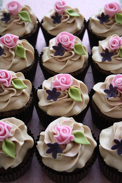 Cupcakes by Cotton and Crumbs, via Flickr